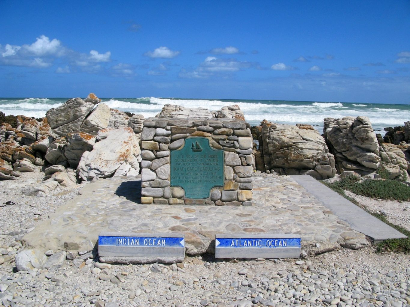 how to get from cape town to cape agulhas